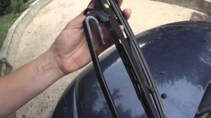 Agape Auto Replacing Windshield Wipers